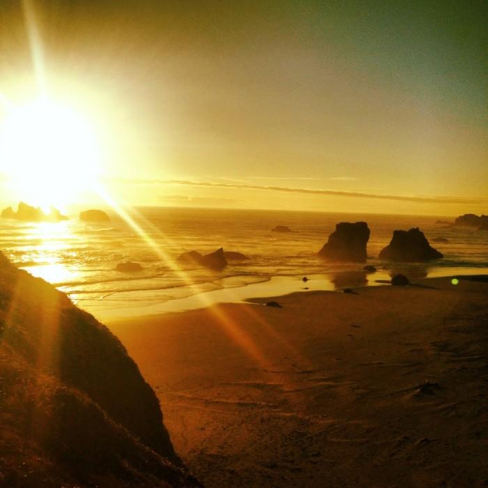 Sur la plage dorée