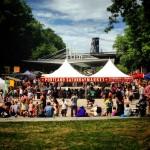 Saturday market sous le pont Burnside