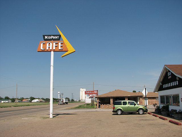 640px-US66_midpoint_café_Adrian_TX