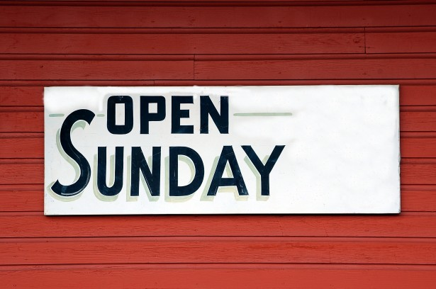 open-sunday-sign