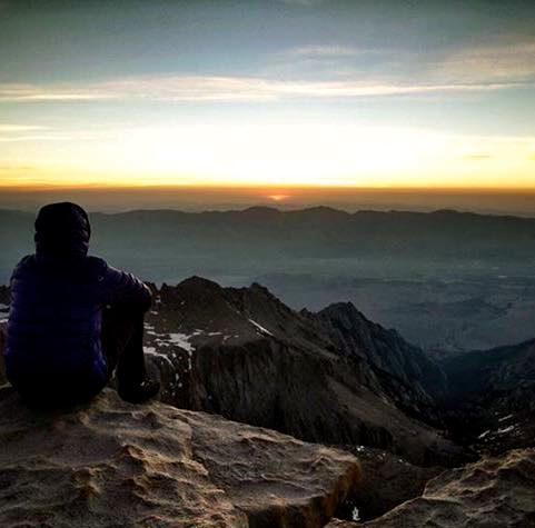 5h et quelques du matin, le somptueux spectacle du lever de soleil au Mont Whitney13592816_10209233722138067_7630352268941967430_n (1)