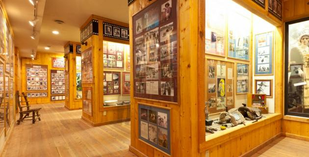 utah-cvb-red-cliffs-lodge-movie-museum