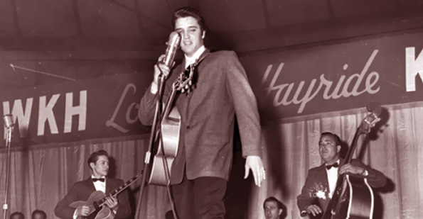 Elvis played the ÒLouisiana HayrideÓ in Shreveport, Louisiana, 1955.