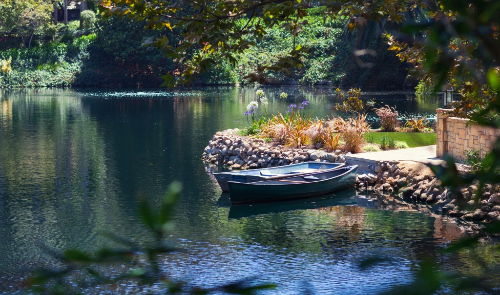 Two_boats_on_the_Lake_Shrine